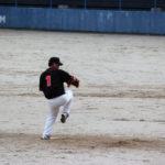 サイドスローの直球と変化球の投げ方
