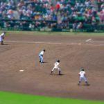 ダブルプレーの二塁への送球と動き