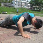 自宅でできる大胸筋を鍛える10の自重トレーニングの方法