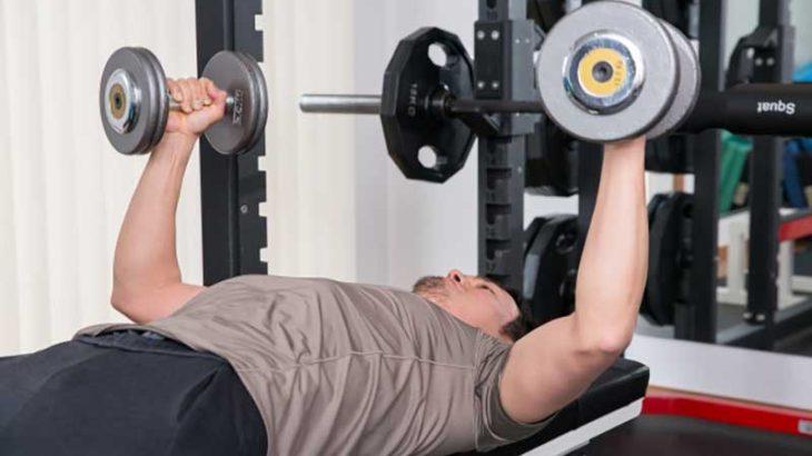 背中と胸を鍛える筋力トレーニングの7つの方法