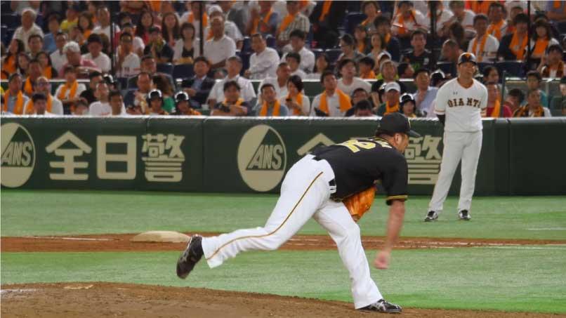 藤川 球児選手のストレートのフォロースルー