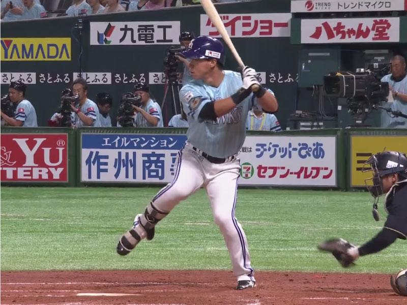 長谷川勇也選手のバックスイング