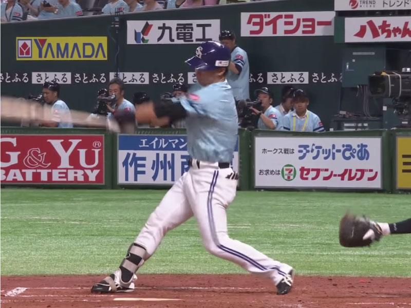 長谷川勇也選手のフォロースルー
