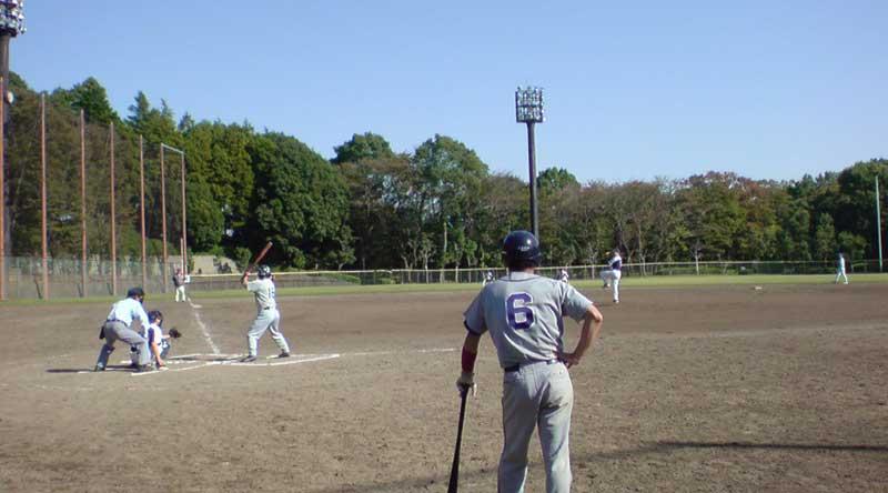 草野球の試合中