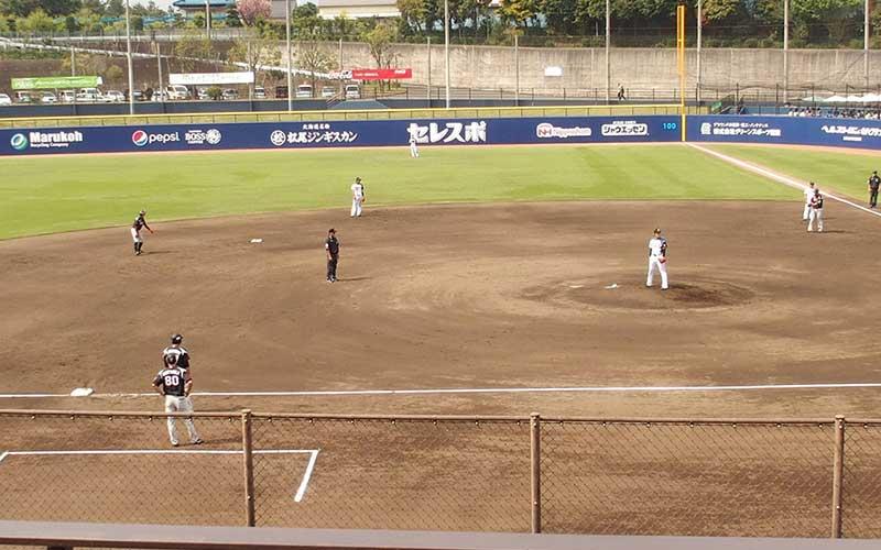 日本ハム対阪神で満塁の場面