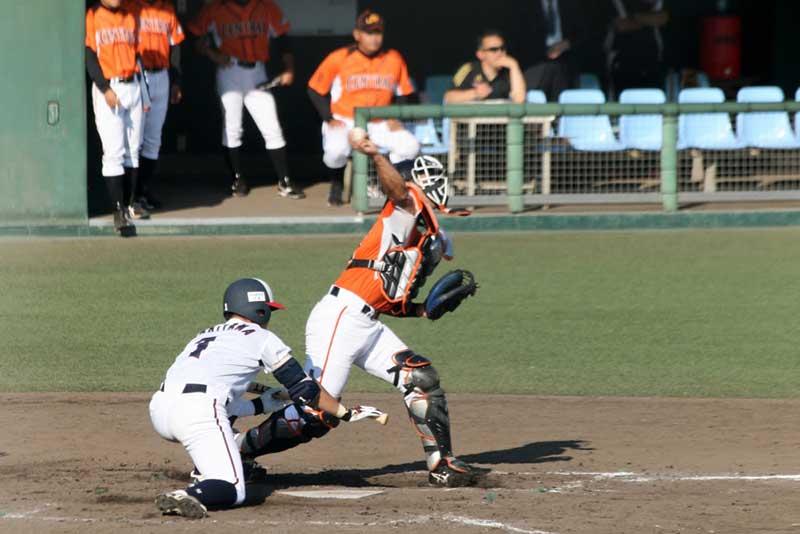 キャッチャーの2塁への送球