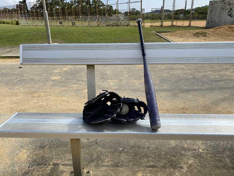 草野球のグラウンド風景