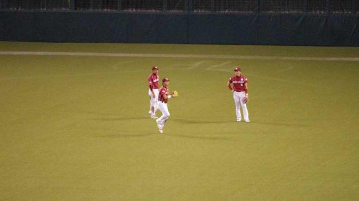 草野球の外野手