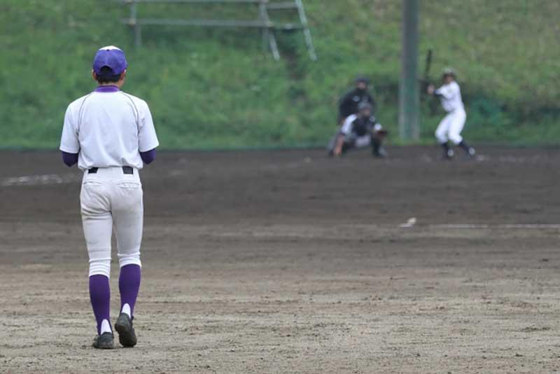 外野手の打球を追う時の準備