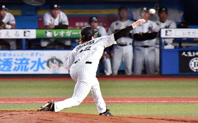 石川歩選手のフォロースルー