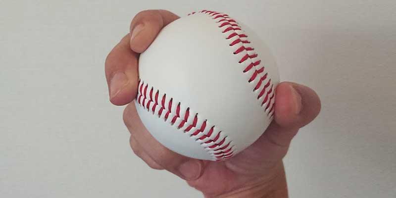 西勇輝選手のリリース時のボールの握り