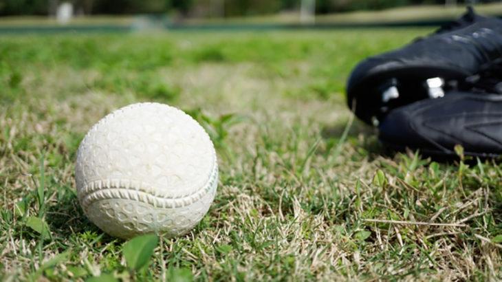 軟式球とスパイク