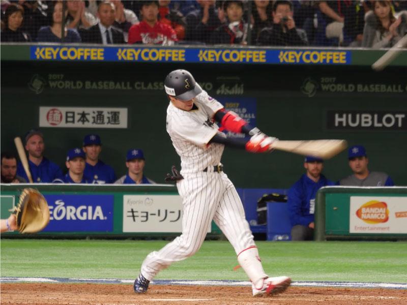 山田哲人選手のフォロースルー