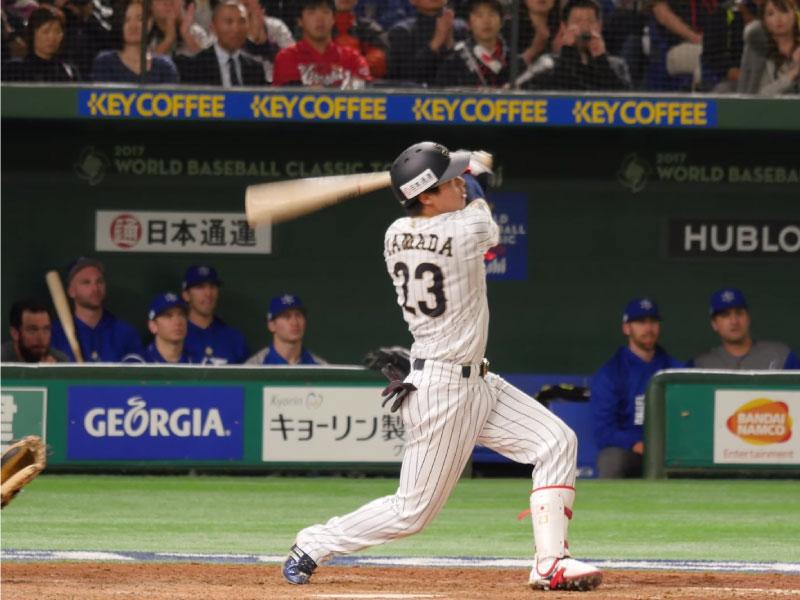 山田哲人選手のフォロースルーの続き
